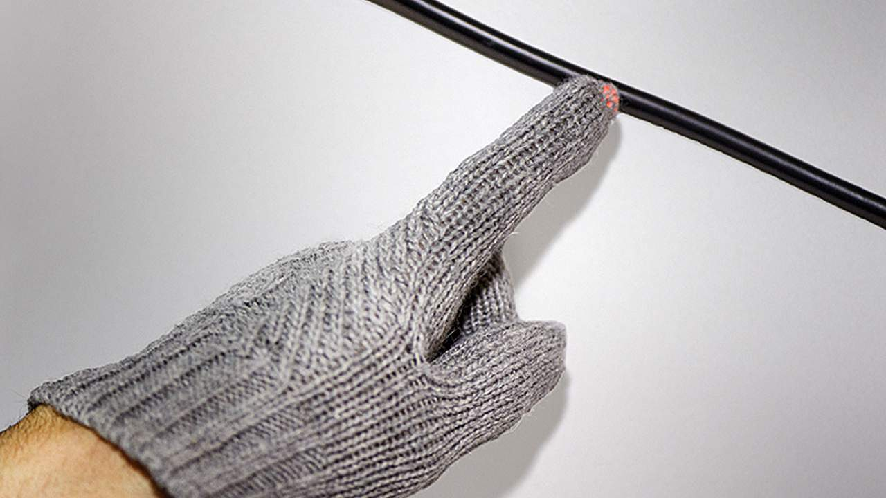 Engineers create battery-free wearables from cloth that can be washed