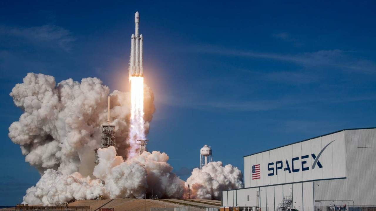 Axiom scores SpaceX's Dragon for three more private crew ISS missions