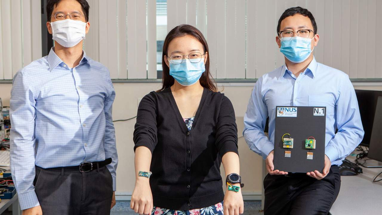 Researchers use the human body as a transmission medium to power wearable devices