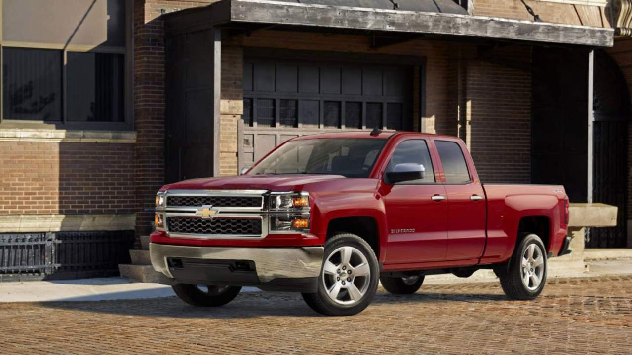 GM recalls 400,000+ Chevrolet and GMC pickups over exploding airbags