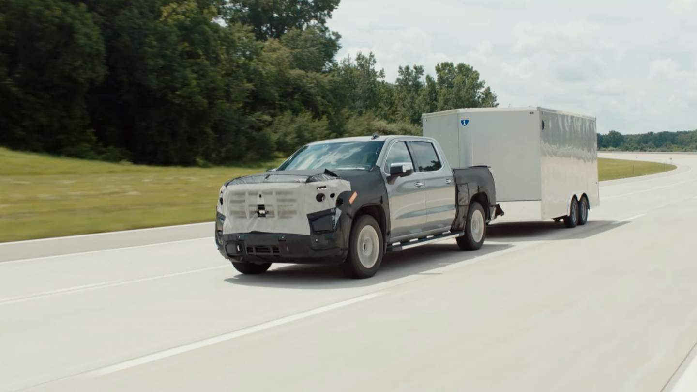 slashgear.com - Chris Davies - Driving GMC's 2022 Sierra with auto lane-change Super Cruise feels like the future