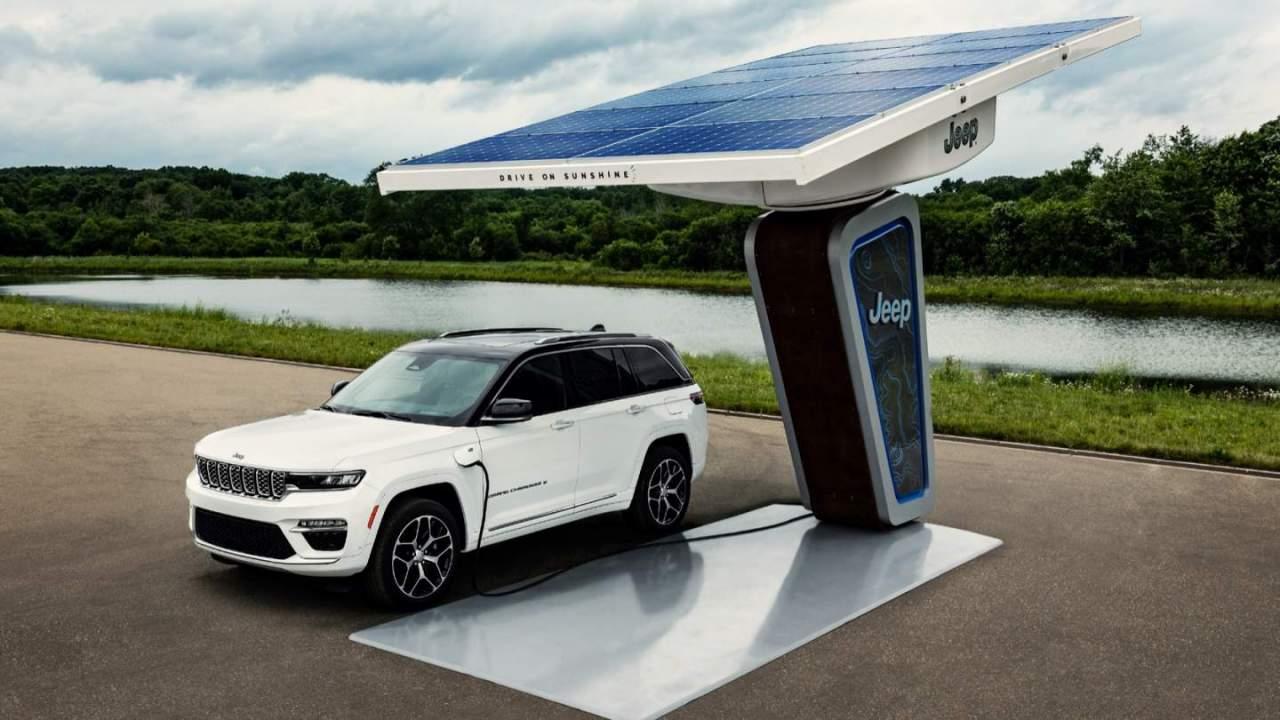 2022 Jeep Grand Cherokee 4xe revealed: Plug-in hybrid SUV