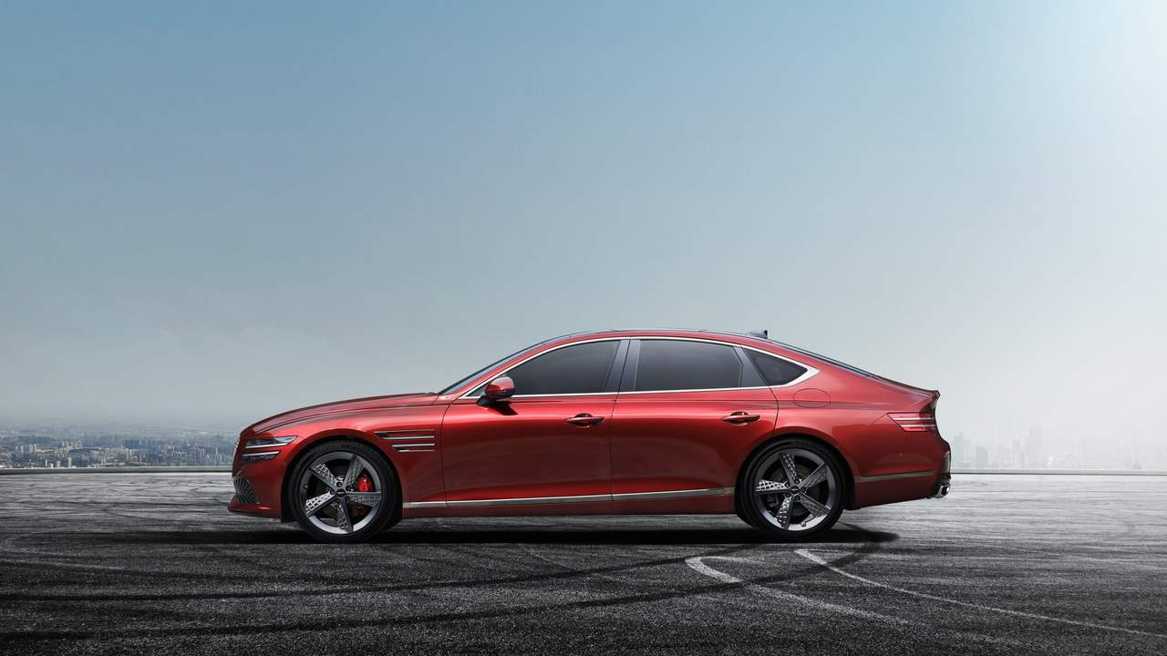 2022 Genesis G80 Sport unveiled with AWD and rear-wheel steering