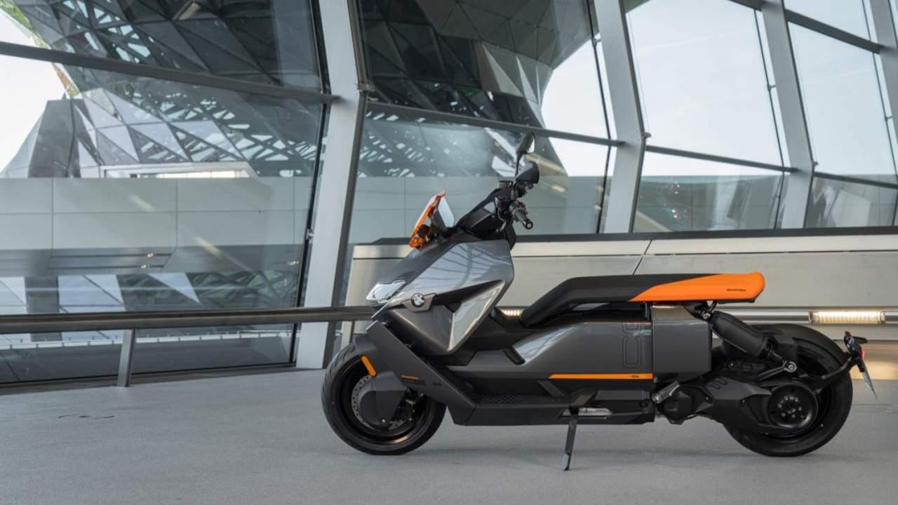 2022 BMW CE 04 Gallery