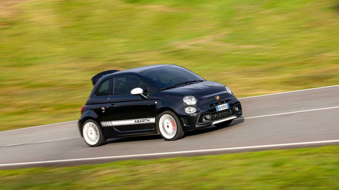 Abarth 695 Esseesse has a potent combination of speed and vintage styling