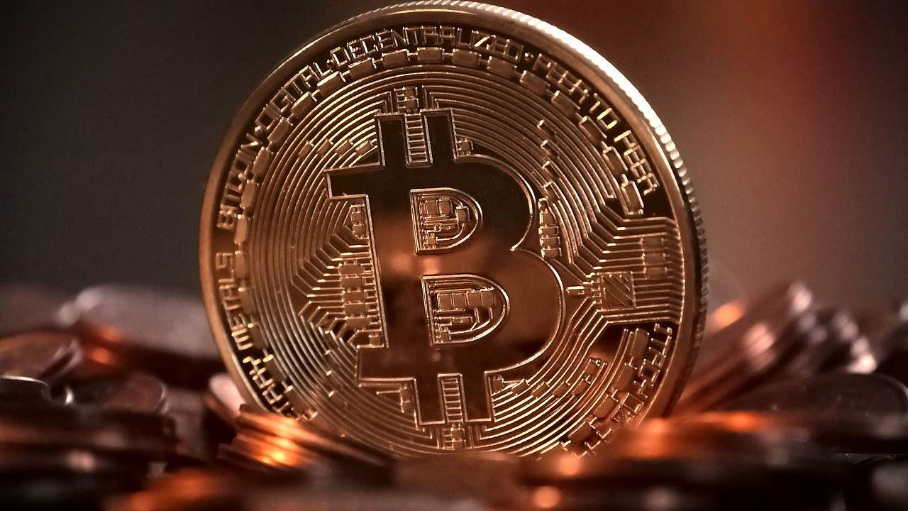 Residents claim massive bitcoin mining operation is heating up a local lake