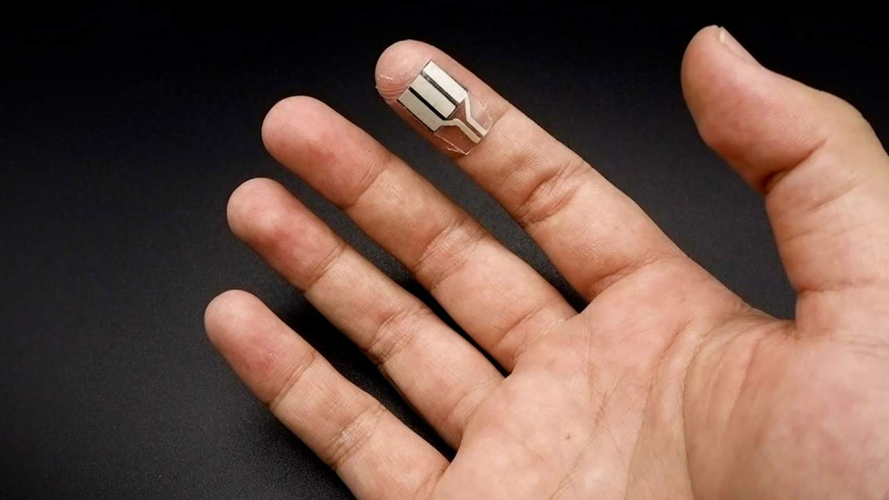 Wearable finger wrap powers small electronics during sleep