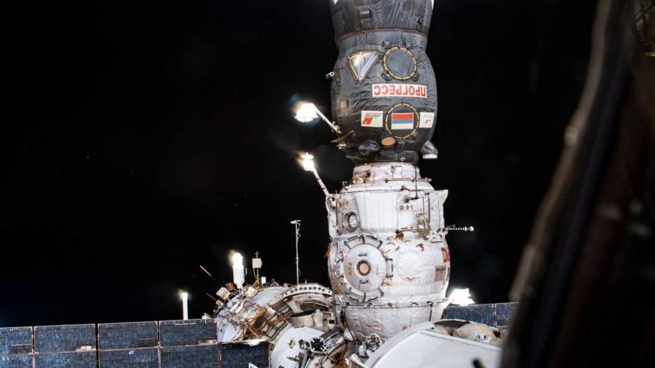 Progress 77 cargo spacecraft and Pirs docking compartment depart the ISS