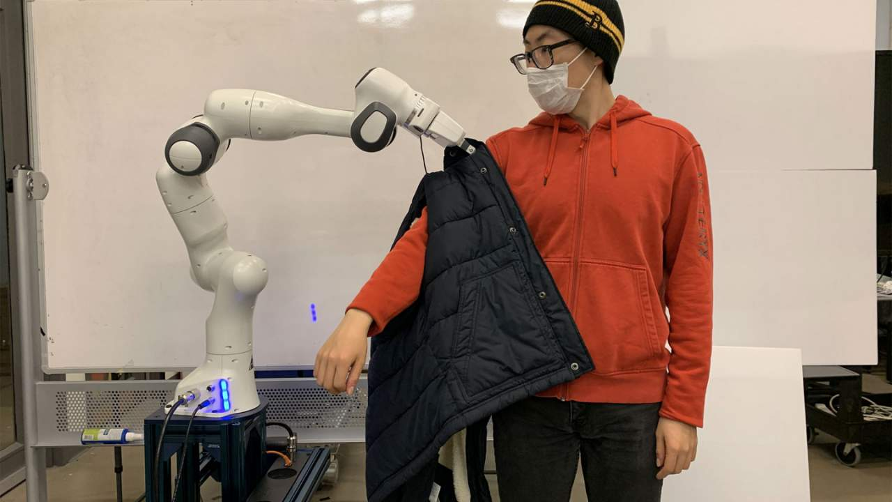 MIT researchers develop a robot to help users get dressed