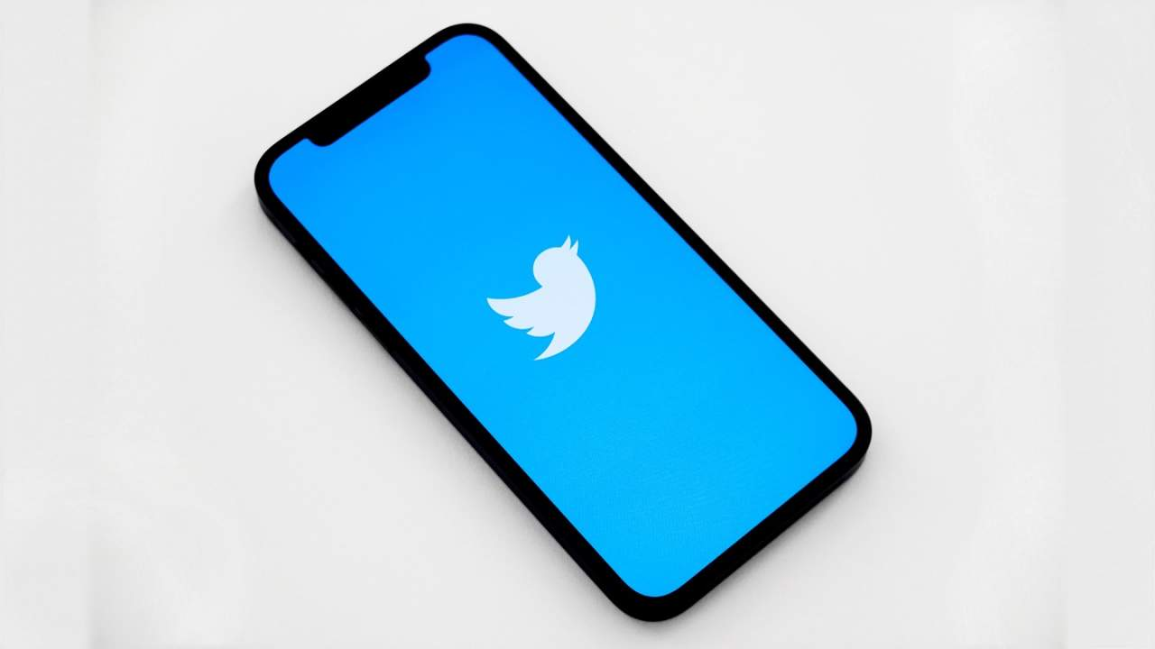 Twitter makes it easier to control who can reply to published tweets