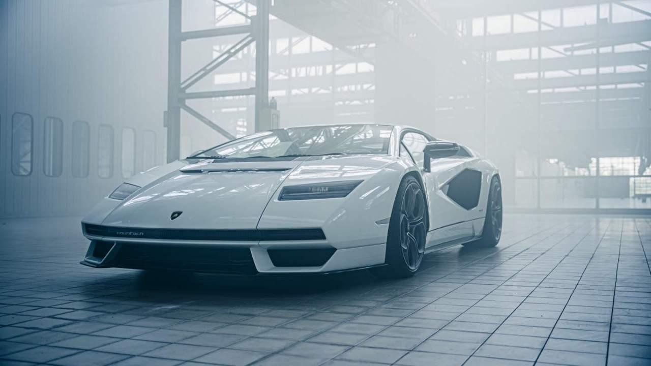 Meet the new Lamborghini Countach LPI 800-4