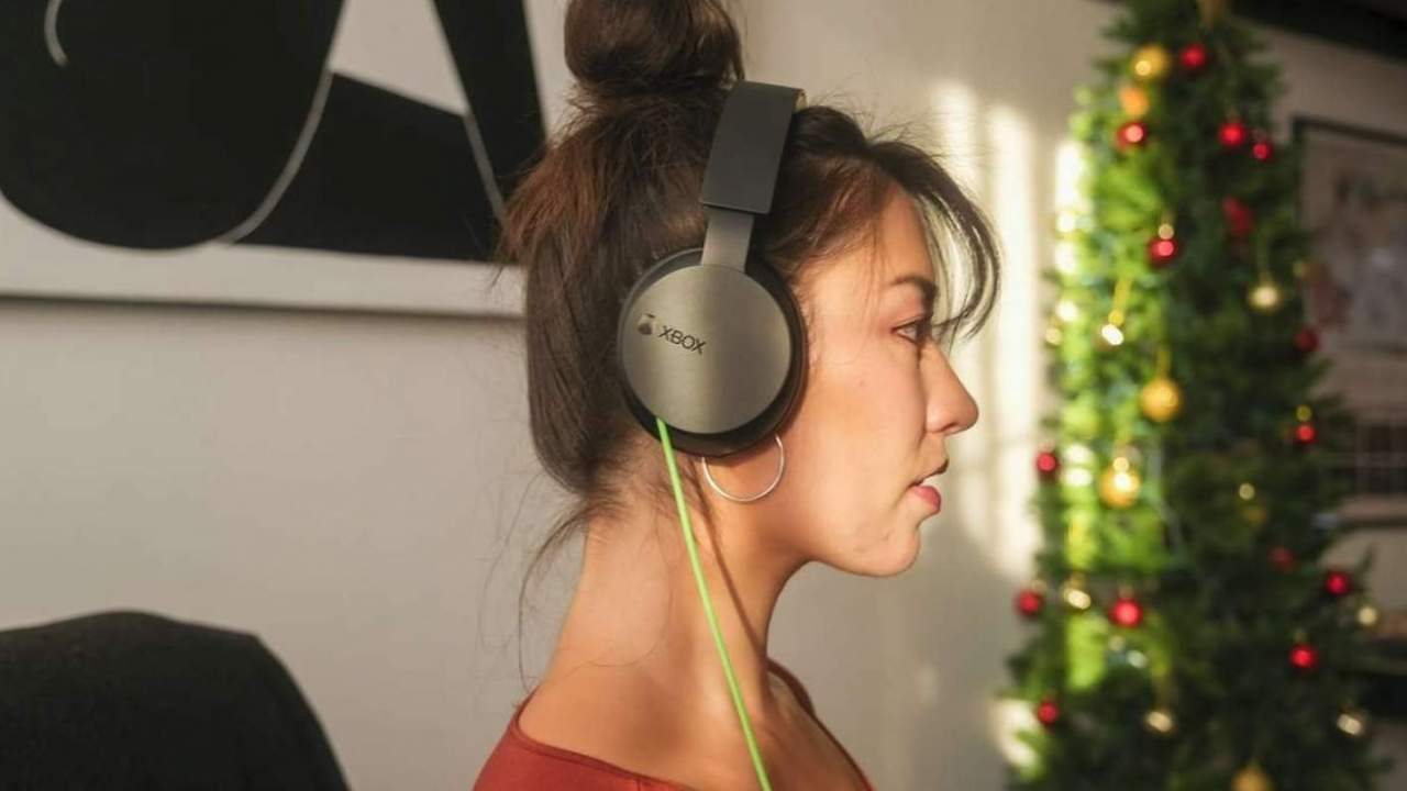 Xbox Stereo Headset adds back cords, trims back price