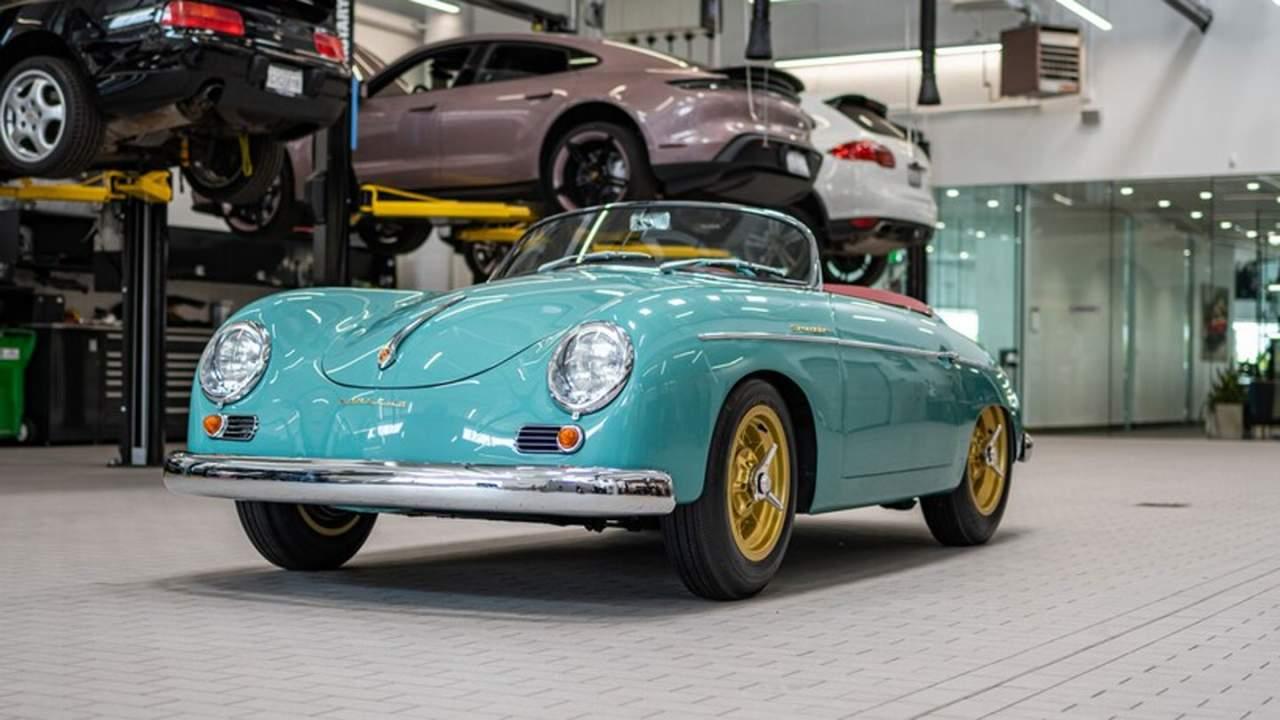 Gorgeous Galpin Porsche 356 Speedster is for a Porsche competition