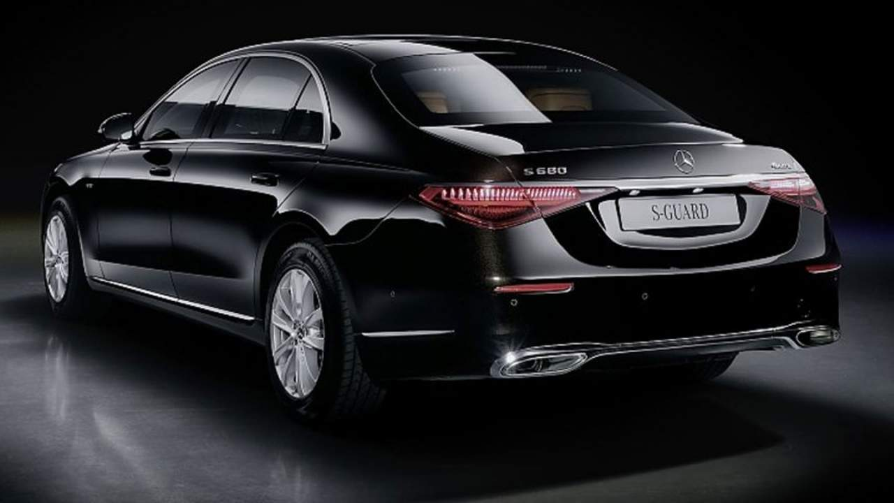 Mercedes S 680 Guard 4matic is a rolling safe room