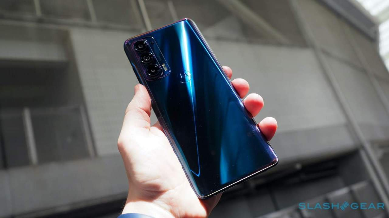 Motorola Edge 2021 hands-on: Moto's winning Android recipe cranked up to 108