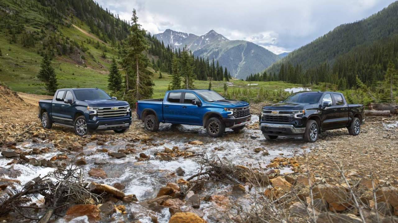 2022 Chevy Silverado 1500 gets Super Cruise and a redesigned dashboard