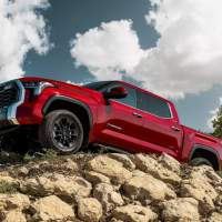 2022 Toyota Tundra enters the pickup fray with a turbo V6 motor and independent rear suspension