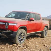 2022 Rivian R1T First Drive – The Next Electric Benchmark