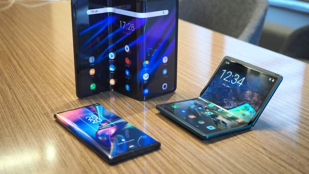 TCL cans its first foldable phone, delaying the low price Z Flip 3 alternative