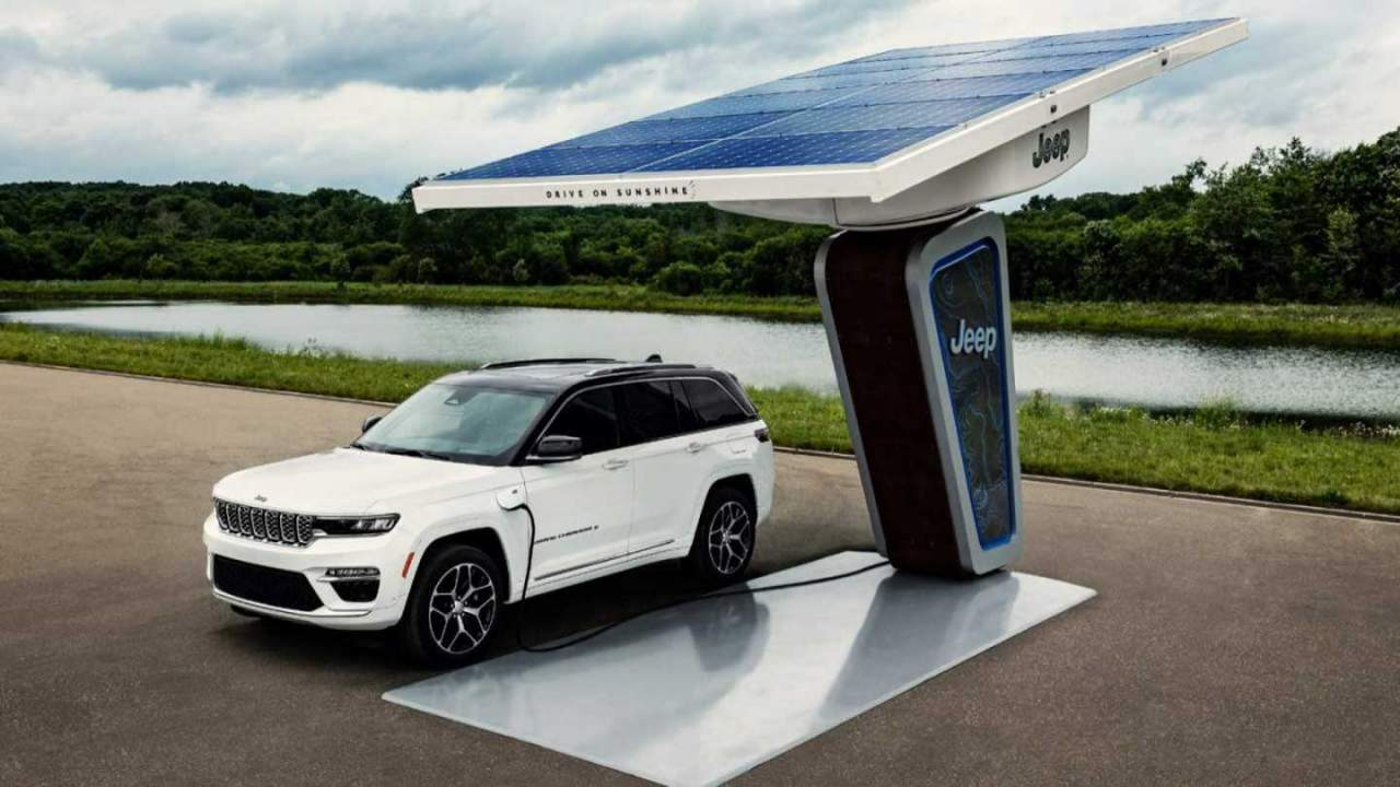 Jeep confirms reveal date for 2022 Grand Cherokee 4xe