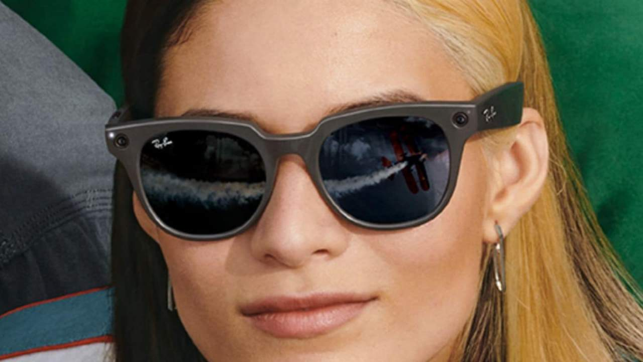 Facebook's Ray-Ban Stories glasses are a catalog of bad decisions