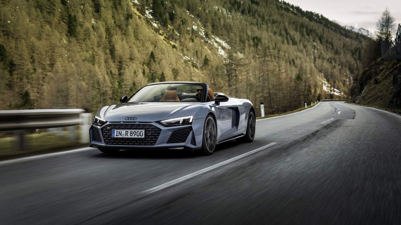 2022 Audi R8 V10 Performance RWD appears with 562HP V10 engine
