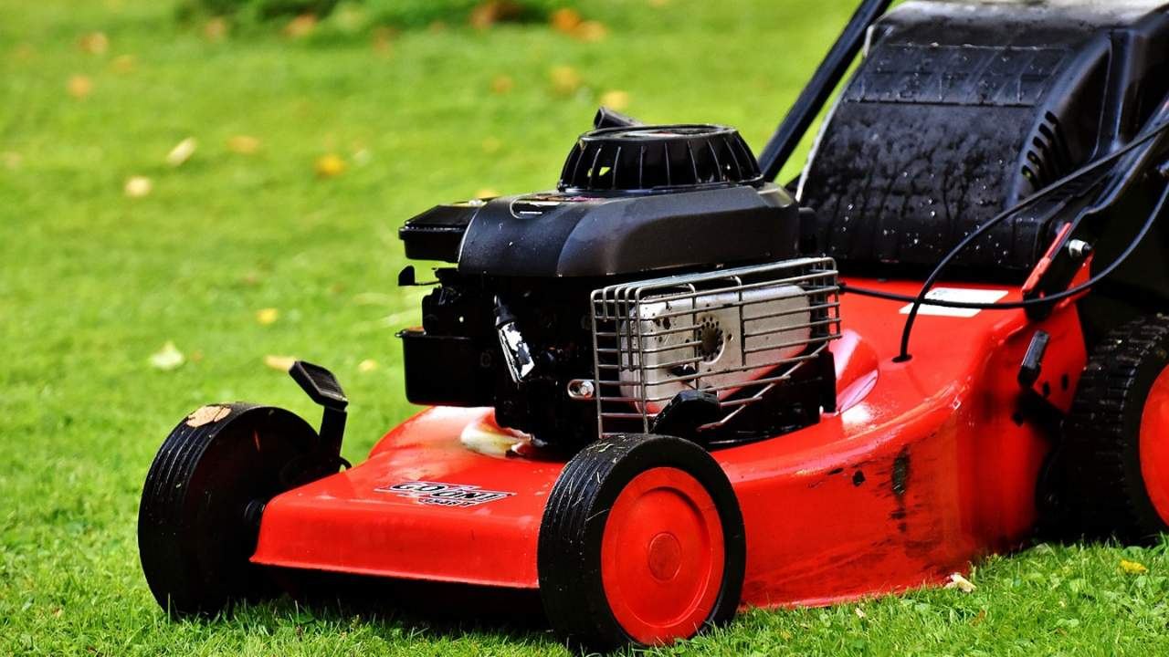 California moves to ban all combustion-powered lawn equipment