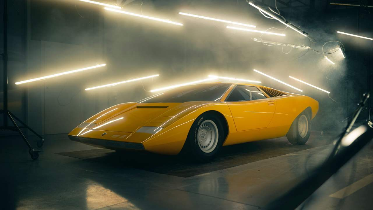 Lamborghini re-creates the first Countach for one lucky buyer
