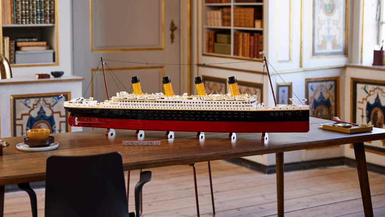 LEGO Titanic set is a 9,090-brick boat based on original blueprints