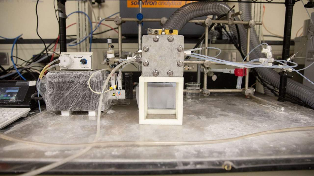 Researchers create fuel from greenhouse gas