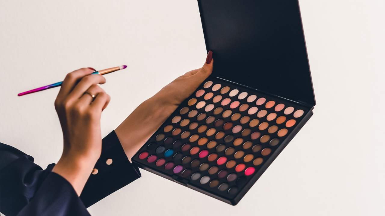 Common makeup and plastic chemical may fuel premature deaths