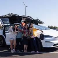 Tesla begins deliveries of refreshed Model X