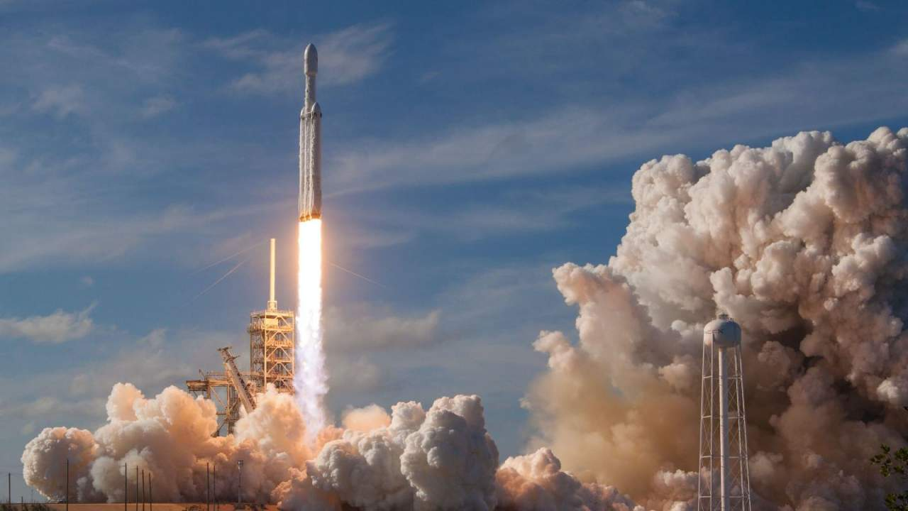 SpaceX Falcon Heavy's first national security launch delayed again