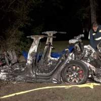 Investigation rules driver was behind the wheel in fatal Texas Tesla crash
