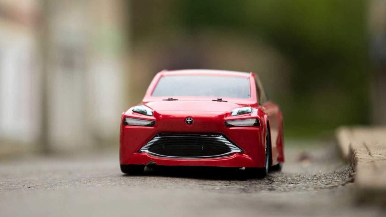 Toyota Mirai RC car draws power from a mini hydrogen fuel cell