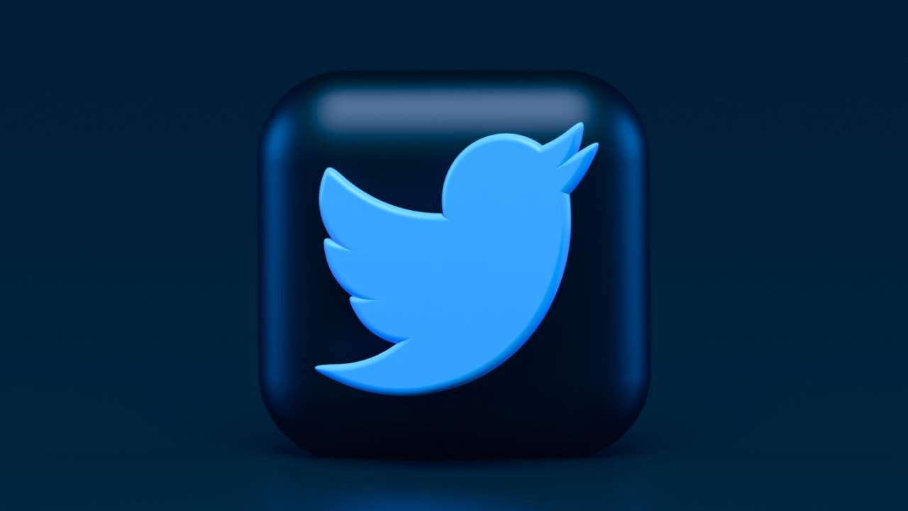 Twitter says its algorithms favor tweets with right-leaning political content