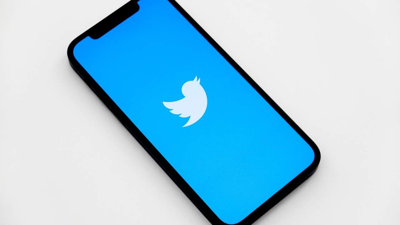 Twitter rolls out Revue newsletter subscription button for tweets